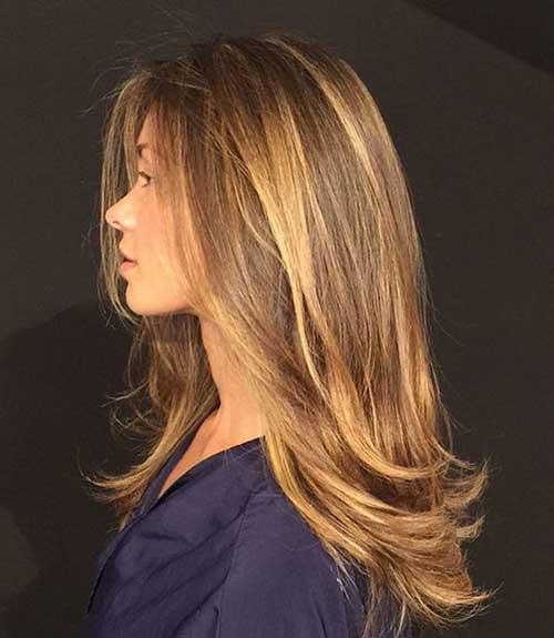 cabelo loiro com iluminaçao cor de mel