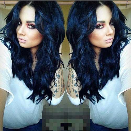 cabelo preto azulado para pele branca