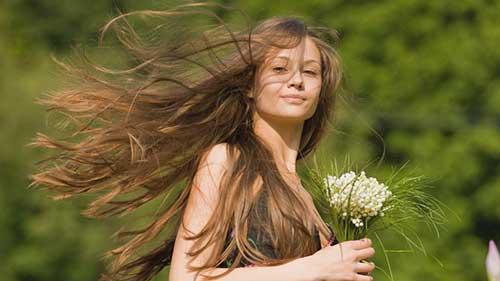 evite fazer progressiva com o cabelo danificado