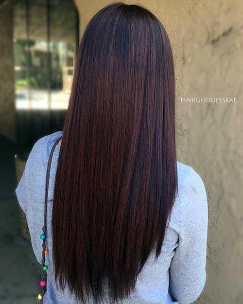 cabelo marrom escuro em tom mogno