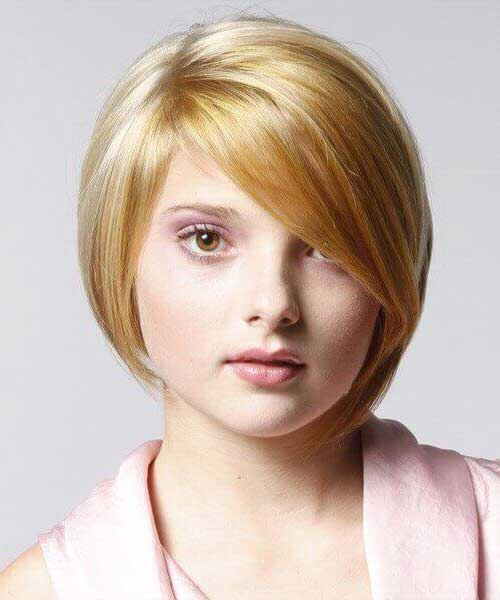 foto de cabelo curto e liso para mulher plus size
