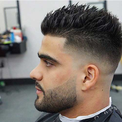corte espetado curto com barba