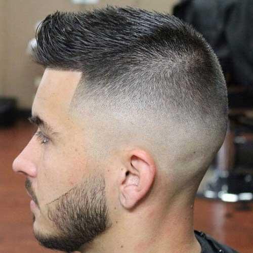 cabelo espetado curto com fade