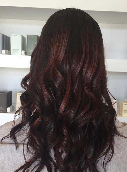 cabelo chocolate com mechas caramelo