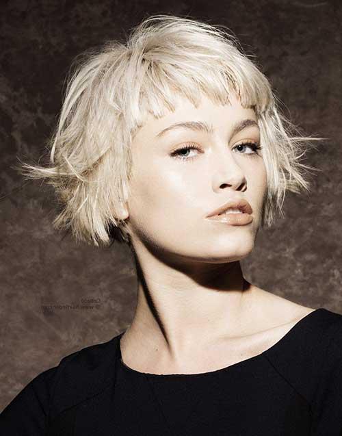 foto de cabelo curto desfiado da moda