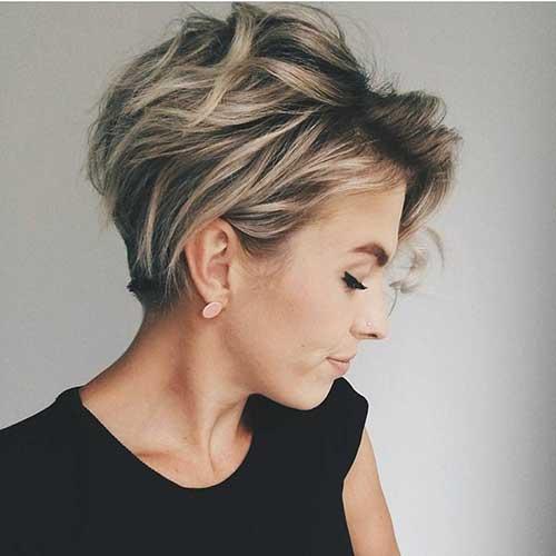 foto de cabelo curto que rejuvenesce