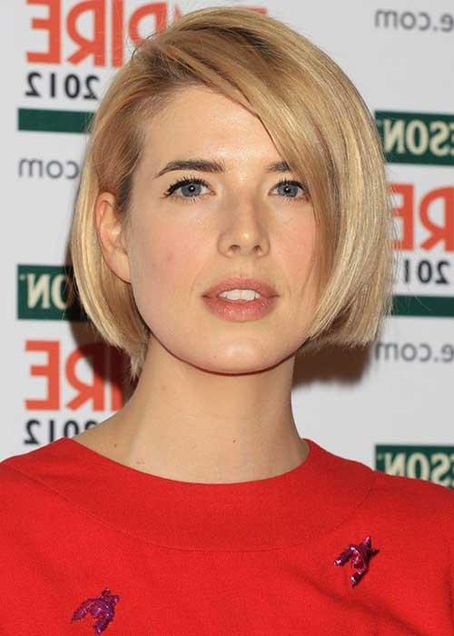 foto de cabelo curto feminino com corte chanel