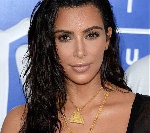 Wet Hair é a tendência do momento