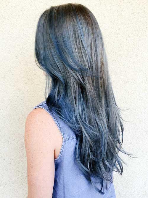 foto do pinterest de denim hair com pontas azuladas