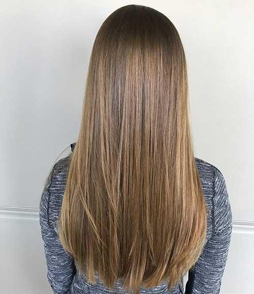 foto ilustrativa de cabelo liso com progressiva de morango