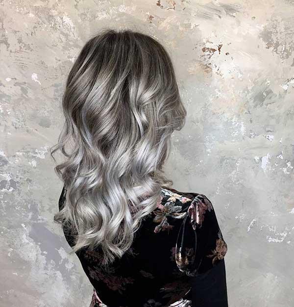 cabelo feminino granny hair com raiz preta