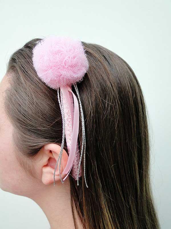 tiara rosa de tule e de fita