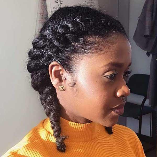 Trancinhas duplas são um penteado simples que pode ser usado por noivas